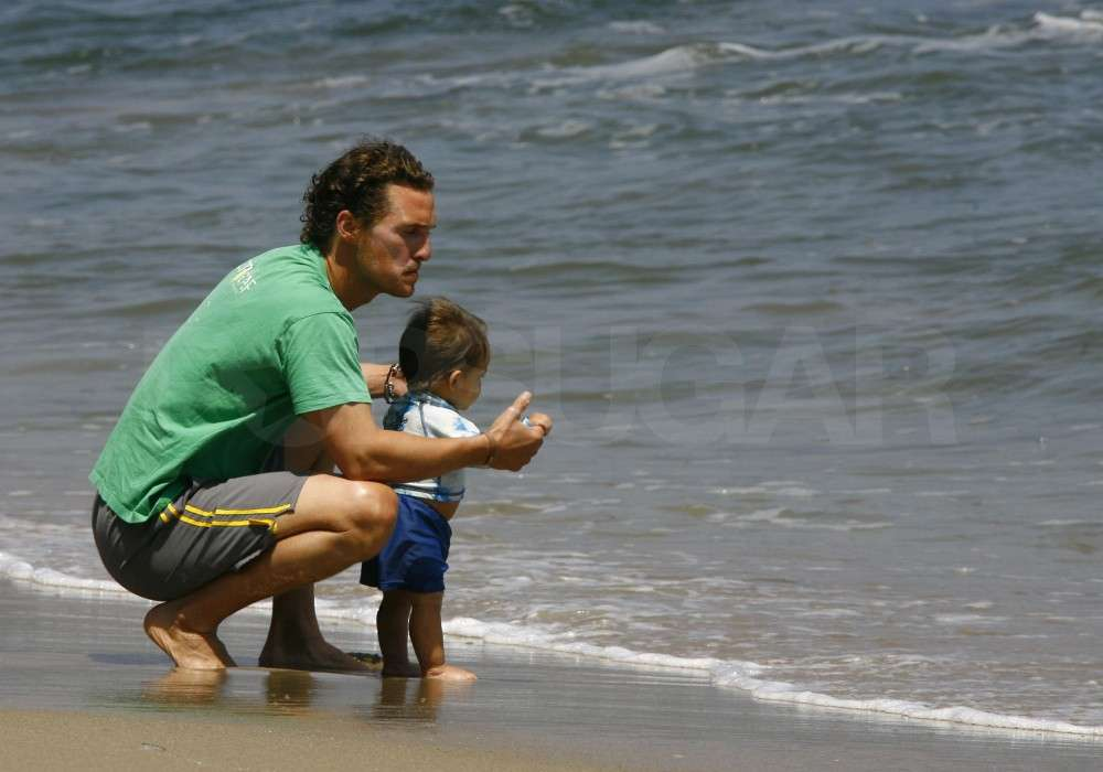 In May 2009, Matthew McConaughey took baby Levi to the beach in LA.