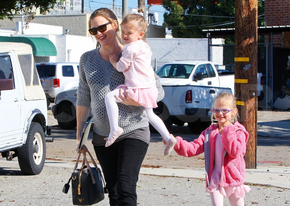 Jennifer Garner took daughters Violet and Seraphina to ballet.