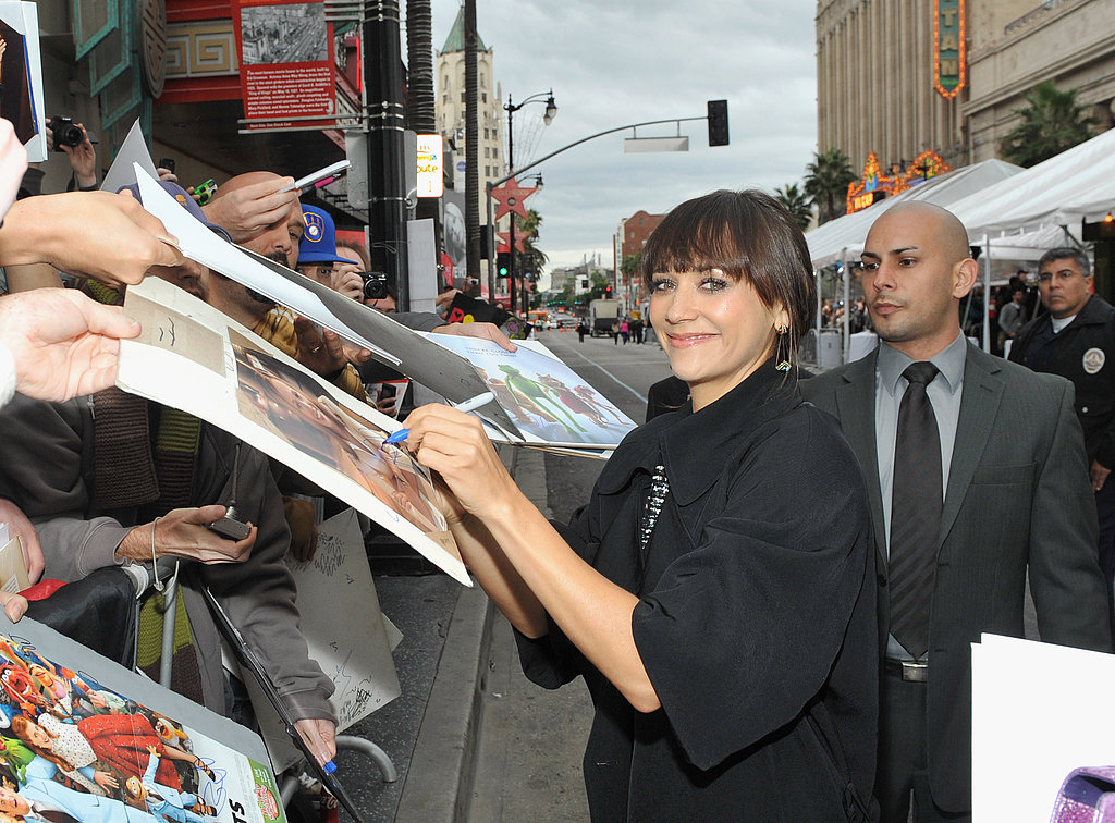 Rashida Jones signed autographs for fans.