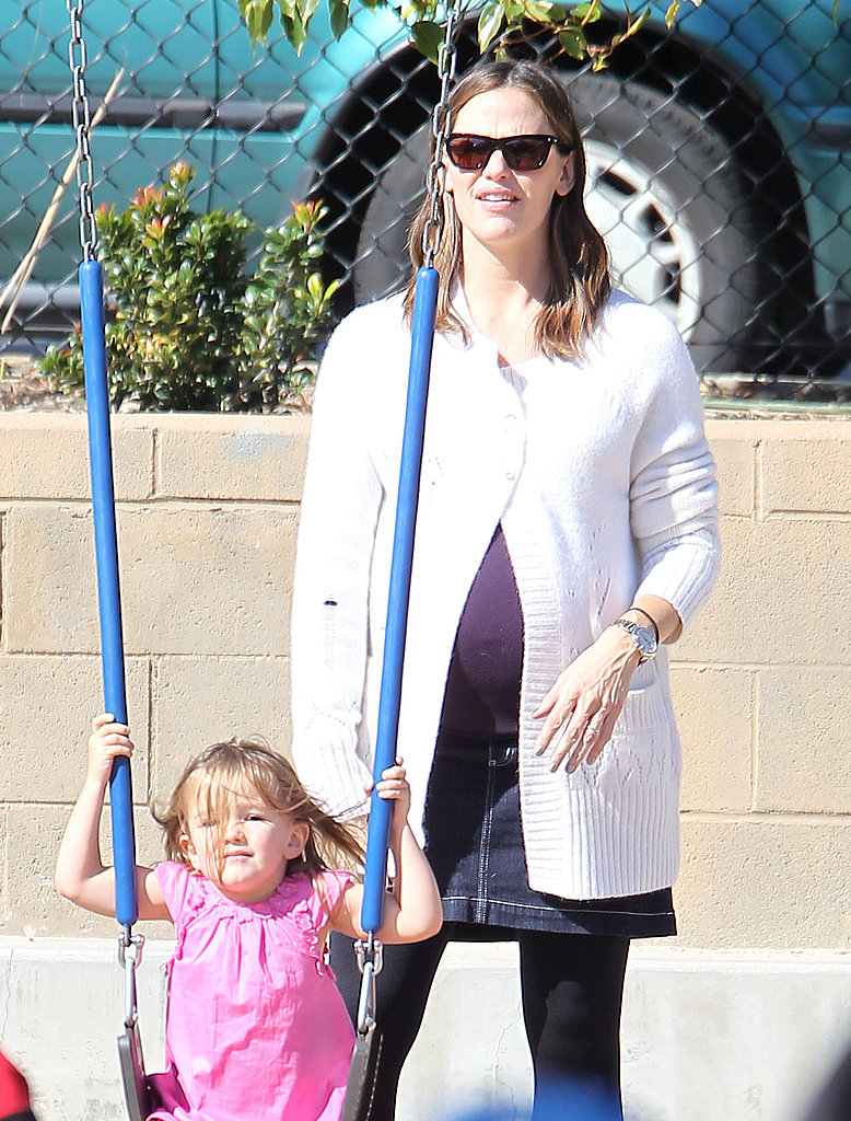 Seraphina on the swings at an LA park with Jennifer Garner.