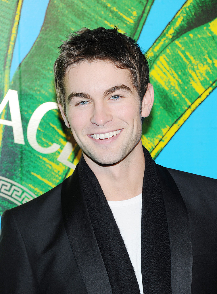 Chace Crawford gave a big smile on the red carpet.