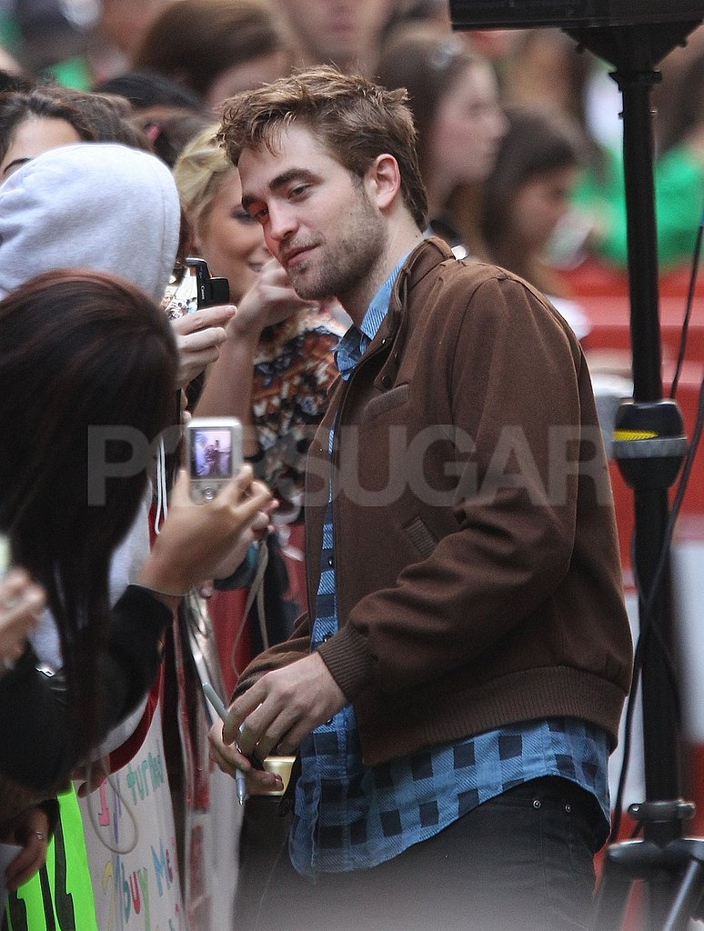 Robert Pattinson took a photo for a fan.