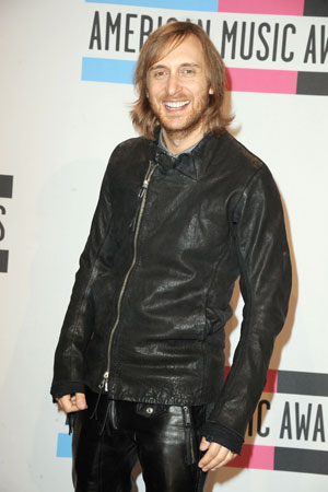 David Guetta wore a black leather jacket on the red carpet.