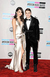Justin Bieber and Selena Gomez posed together for the cameras at the AMAs.