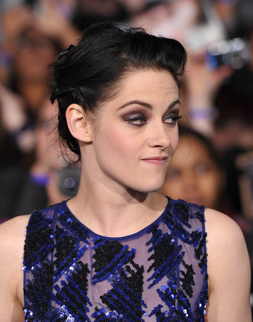 Kristen sported a pretty smokey eye.