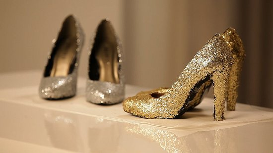 DIY: How to Make Sparkly Shoes!