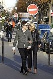 Kate Moss and Jamie Hince got very close on the streets of Paris.