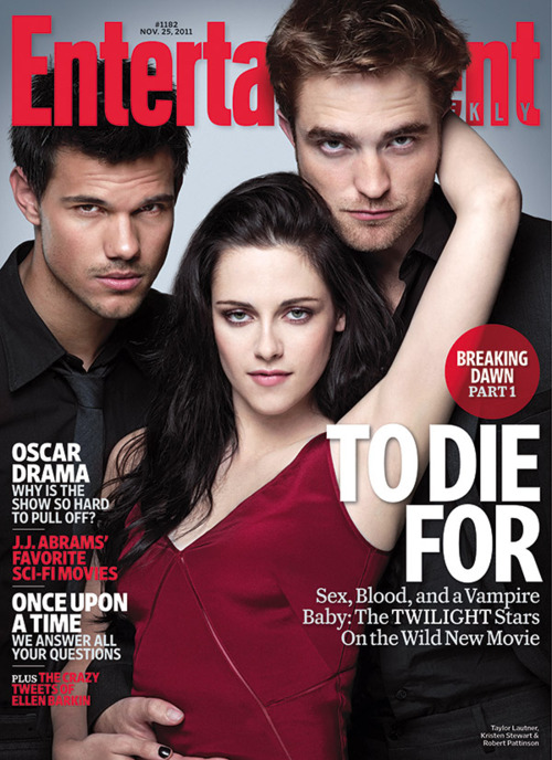 "Robert and Kristen Pose Sexy and Talk ""Loving"" the Breaking Dawn Birth Scene in EW"