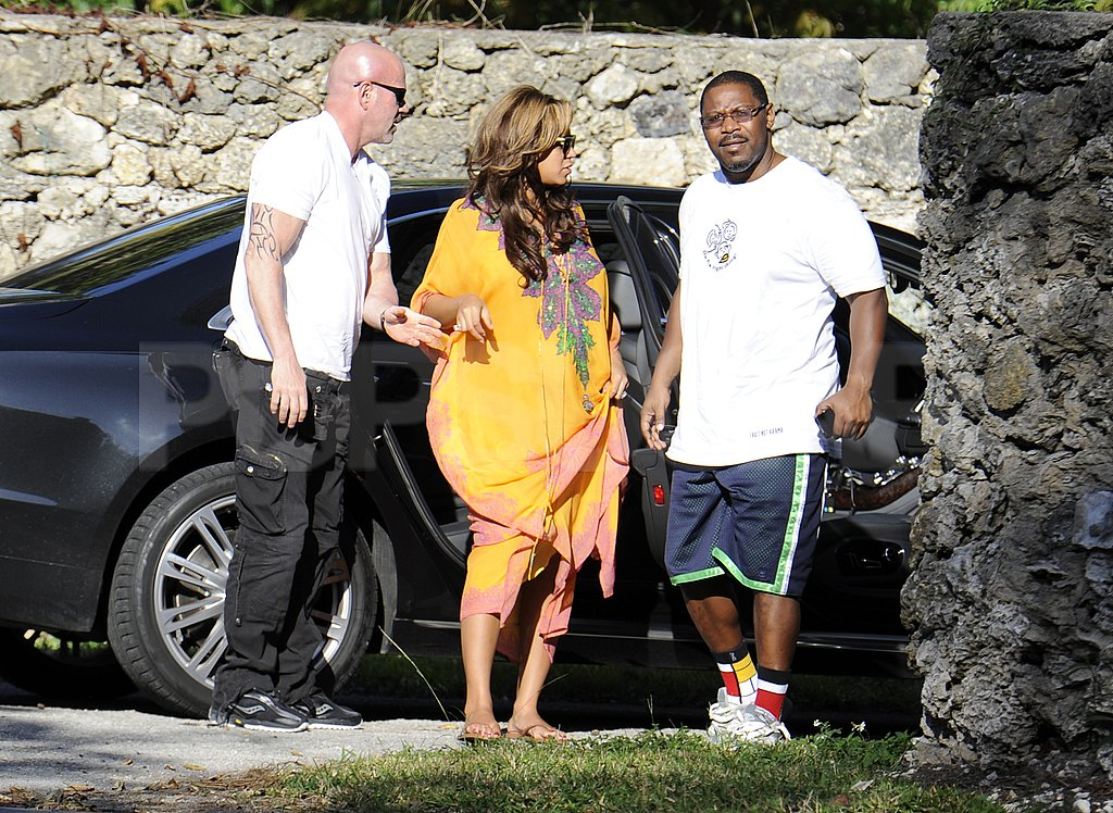 Beyoncé Knowles wore a yellow caftan in Miami.