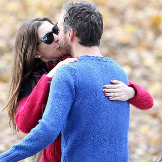 Anne Hathaway Diamond Engagement Ring Pictures