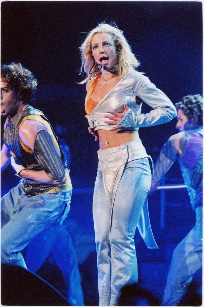 She sang her heart out at a July 2000 concert in LA.