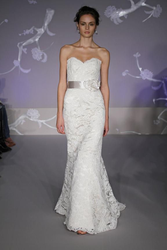 Lace mermaid wedding dresses bring the new rule in the fashion world ...