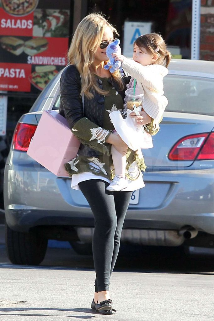 Sarah Michelle Gets Holiday-Ready With Little Charlotte
