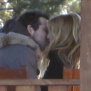 Ryan Reynolds and Blake Lively Kissing Pictures