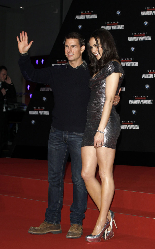 Tom Cruise waved to fans in Munich with Paula Patton.