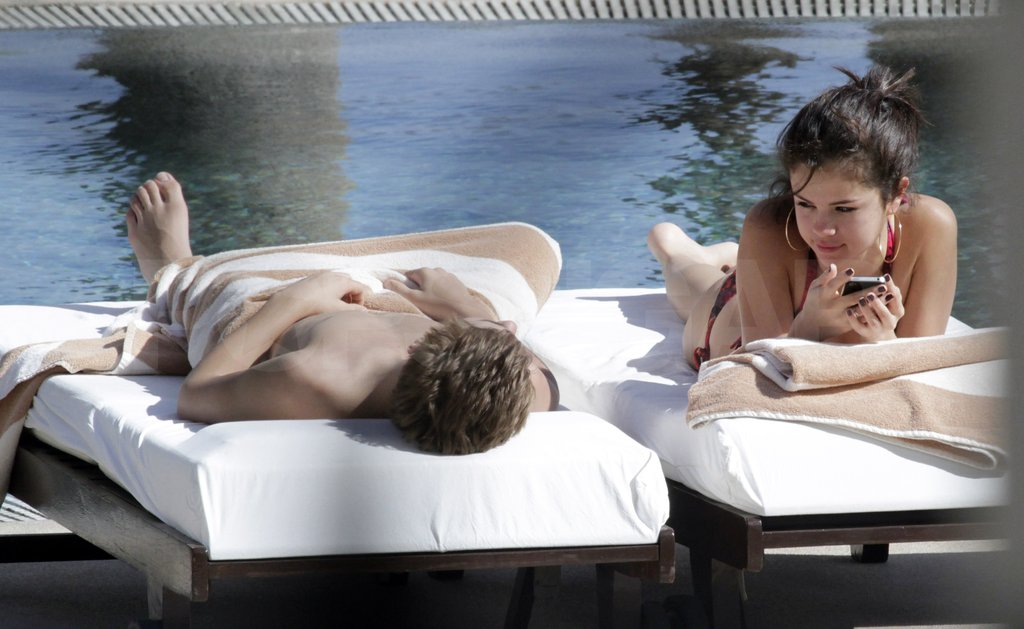 Shirtless Justin Bieber and Bikini-Clad Selena Gomez Cuddle Up Poolside