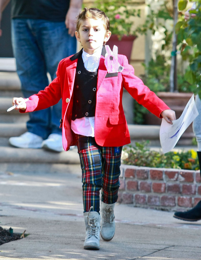Kingston Rossdale topped off his plaid pants with a red blazer.