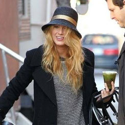 Blake Lively & Leighton Meester on Gossip Girl Set Pictures