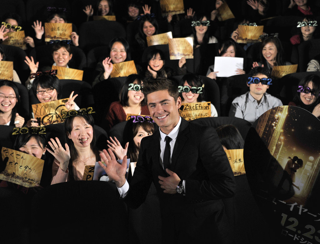 Zac posed for a photo with the audience.