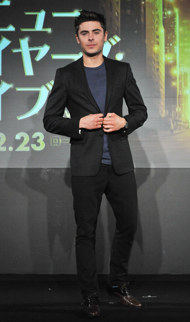 Zac was solo for the Tokyo press conference.