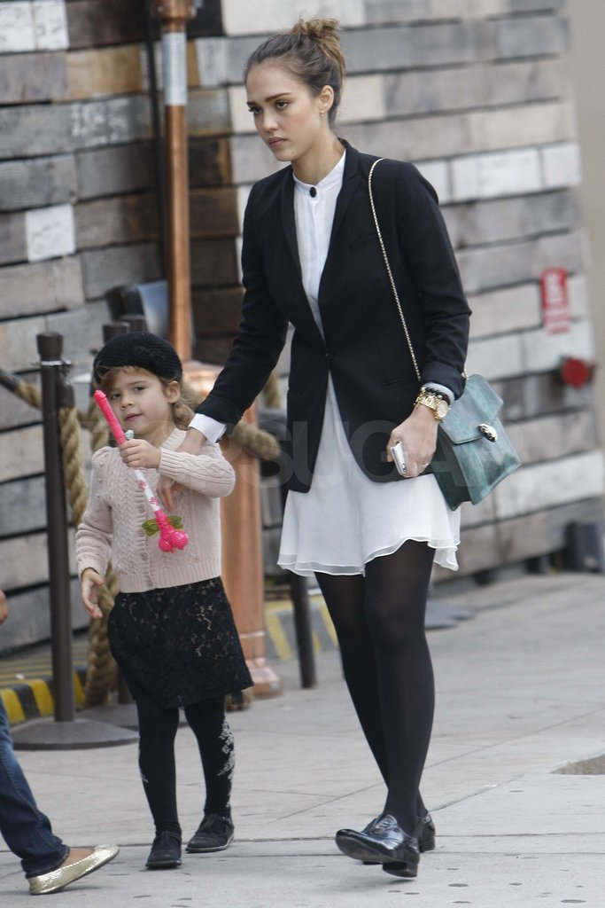 Jessica Alba out to lunch with Honor.