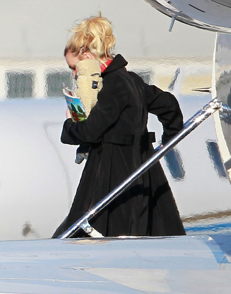 Britney Spears wore a black coat in LA.
