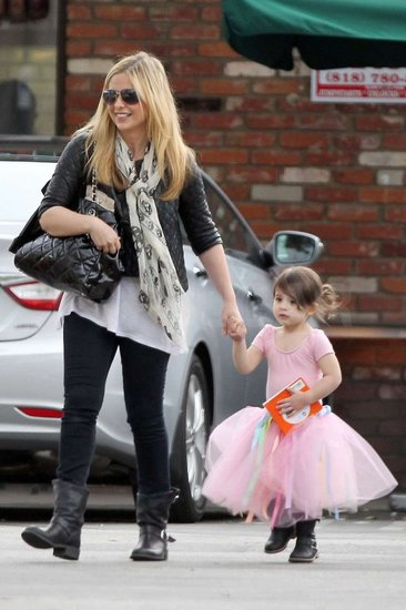 Sarah Michelle Gellar Picks Up Her Prima Ballerina From Dance Class