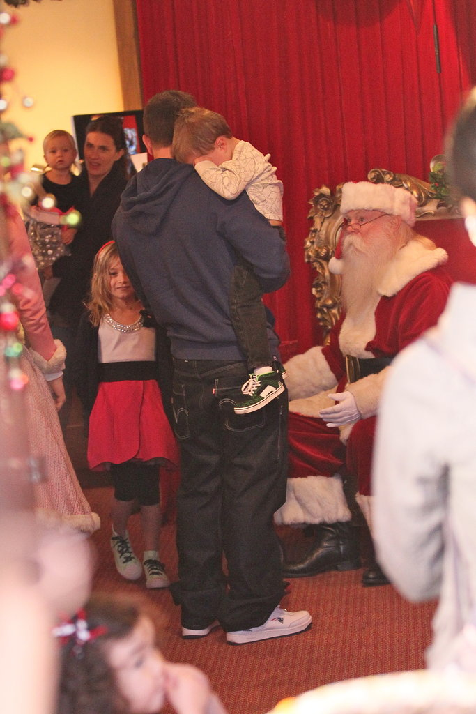 Mark Wahlberg and daughter Ella met Santa.