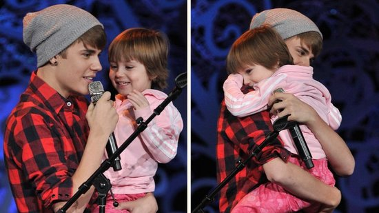 Video: Watch Justin Bieber Sing on Stage With His Adorable Little Sister
