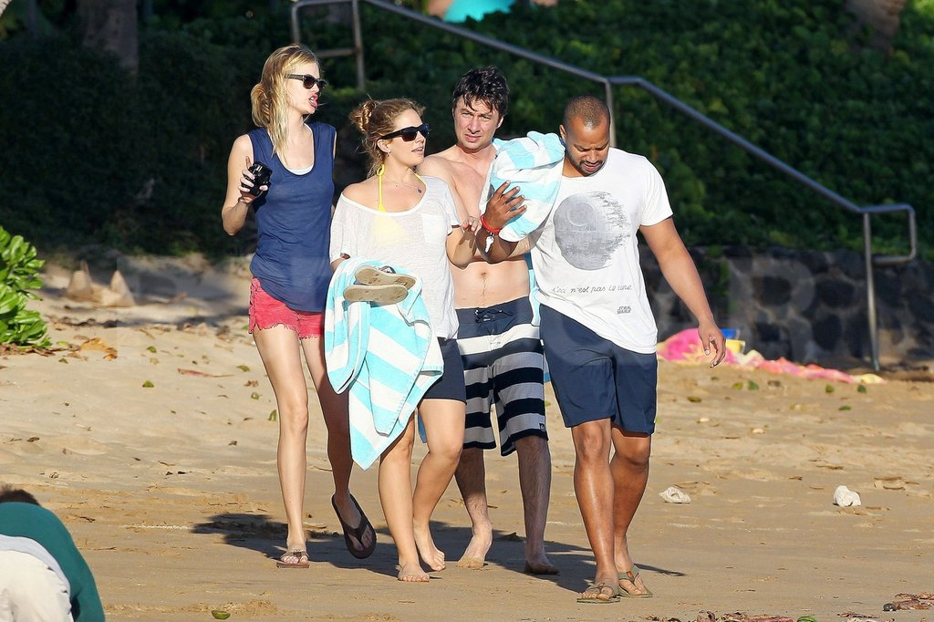 Cacee Cobb and Donald Faison strolled ahead of shirtless Zach Braff and Taylor Bagley in Hawaii.