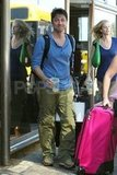Zach Braff gave a funny smile at the Maui airport.