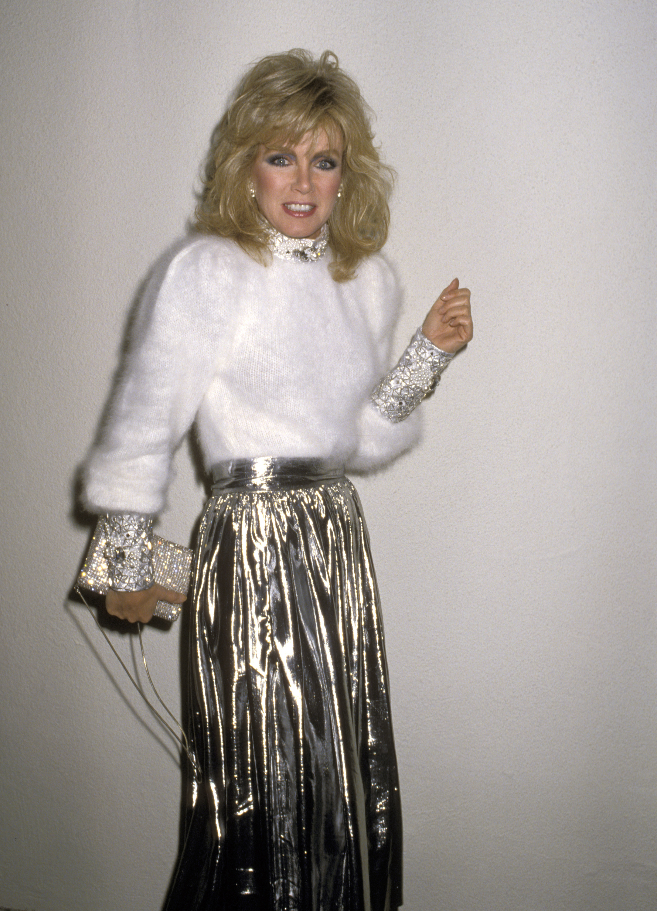 Donna Mills Rocks Her Soft And Shiny Ensemble At Billy