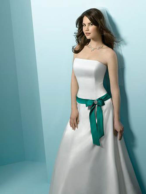 Sherieka\'s blog: White and green wedding dresses give the white as ...