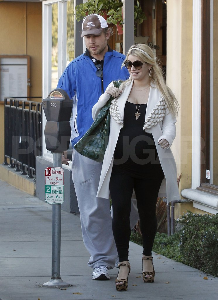 Jessica Simpson and Eric Johnson headed to their car.