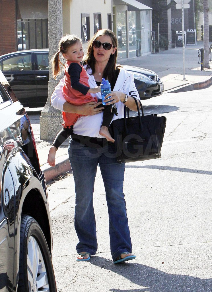 Jennifer Garner and Seraphina Affleck headed to their car.