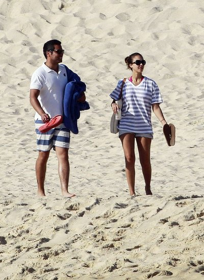 Jessica Alba's Postbaby Bikini Body Is Rocking in Hot Pink
