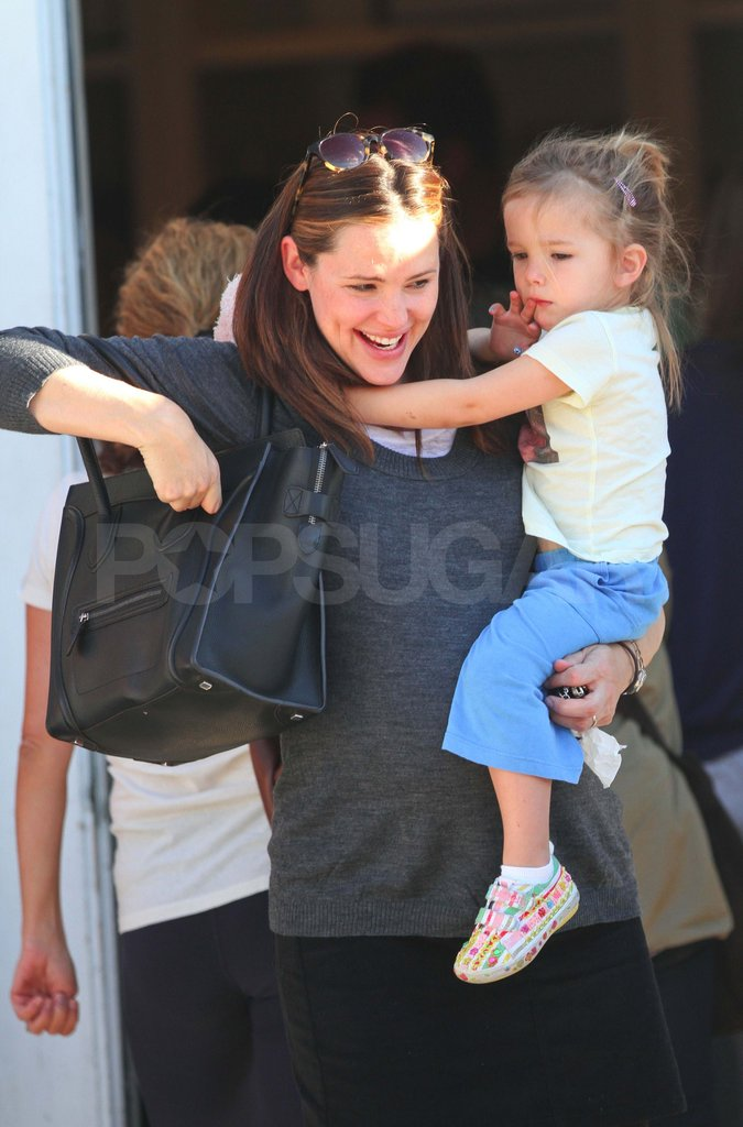 Pregnant Jennifer Garner carrying Seraphina.