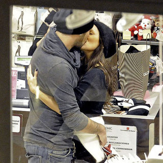 Eva Longoria and Eduardo Cruz Making Out in Spain