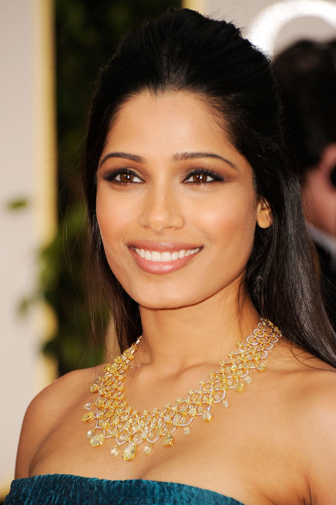 Frieda Pinto on the red carpet.