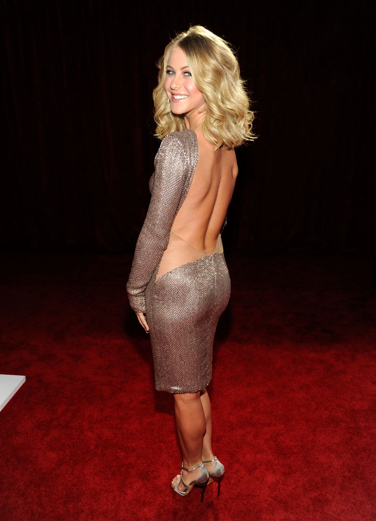 Julianne Hough Brings Her Sexy Back and Perfect Tan to the PCAs