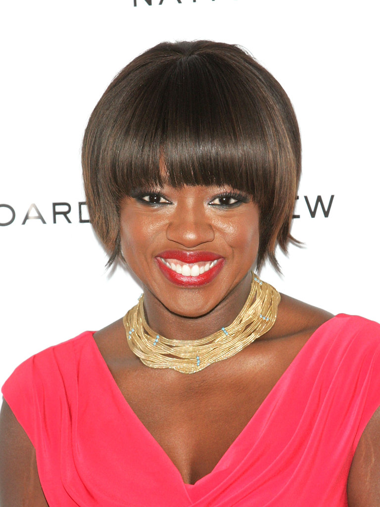 Viola Davis accessorized with a gold chain necklace.