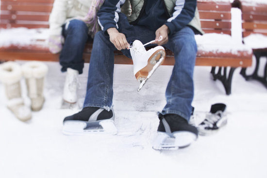 6 Winter Date Ideas That Won't Break the Bank