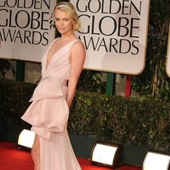 http://media4.onsugar.com/files/2012/01/03/1/192/1922564/6d5846443270ffd6_FABTV_FABFLASH_NUDE_DRESS_GOLDENGLOBES_2012_0116_Square.larger/i/Charlize-Theron-Jessica-Biel-Nude-Dresses-Golden-Globes.jpg