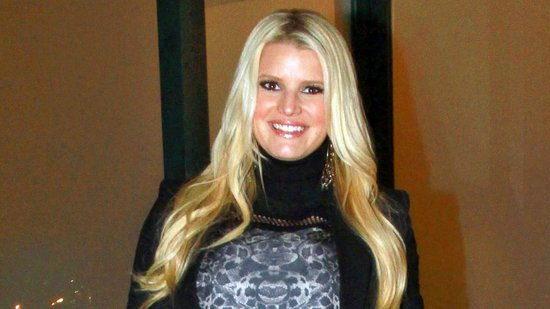 Video: Pregnant Jessica Simpson Celebrates Her Mom's Birthday With Eric