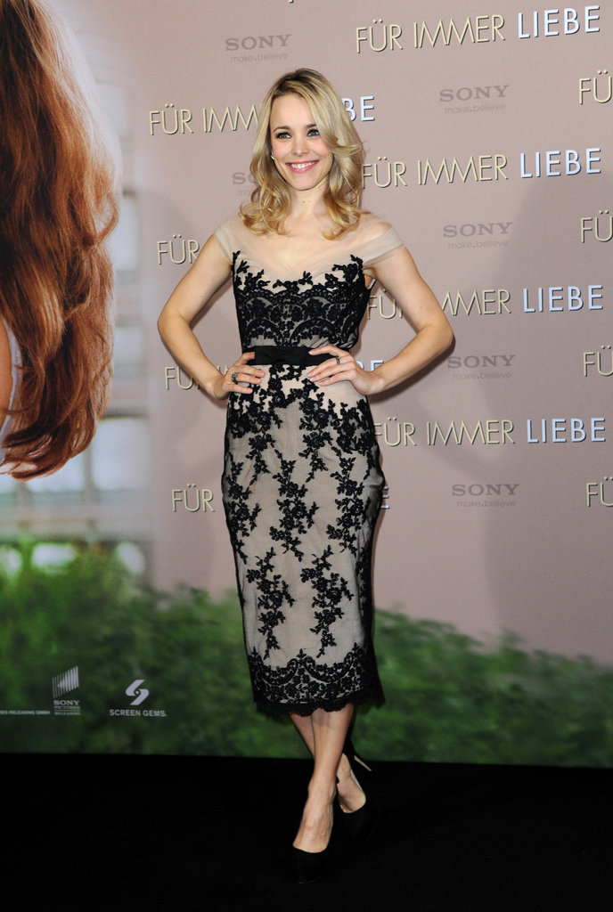Rachel McAdams put her hands on her hips.