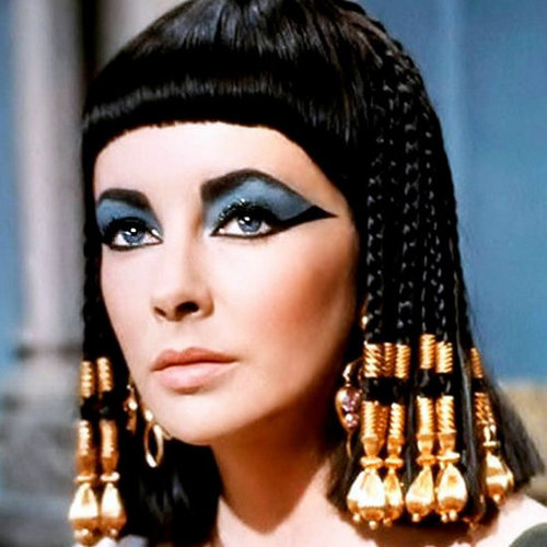 Cleopatra Eyeliner How-To
