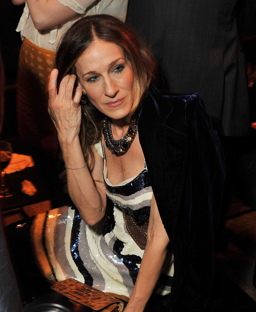 Sarah Jessica Parker hung out at the Metropolitan Museum of Art.