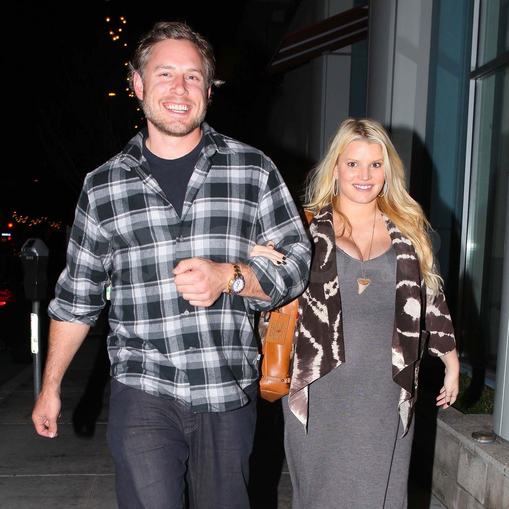 Pregnant Jessica Simpson walking with Eric Johnson.
