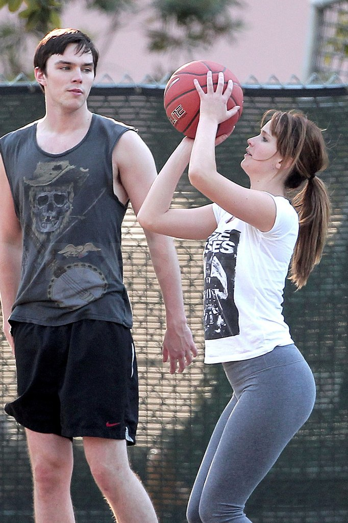 Jennifer kept her eye on the ball.
