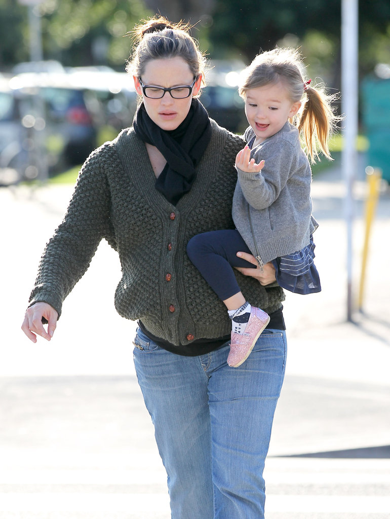 Jennifer Garner carried Seraphina on her hip.